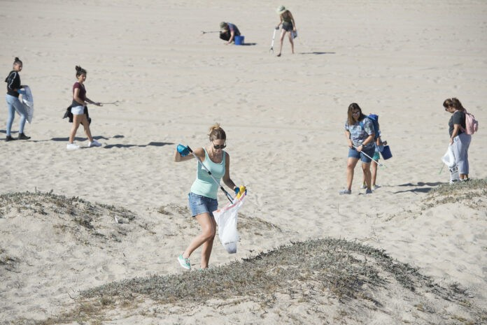 can the trash national coastal cleanup day